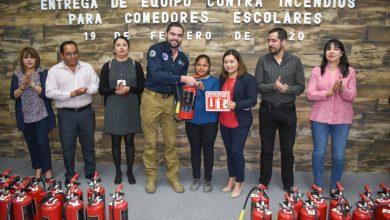 Photo of Recibe DIF de El Marqués extintores para aulas cocina