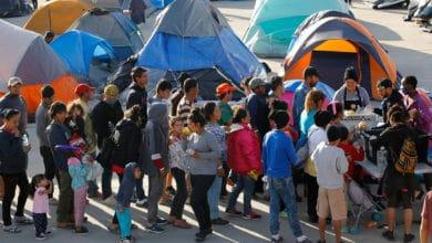 Photo of Unos 700 niños están atrapados en México junto a la frontera de Estados Unidos