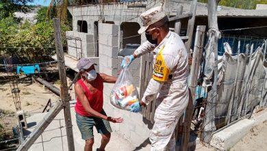 Photo of Ejército apoya en la distribución de más de 42,000 despensas