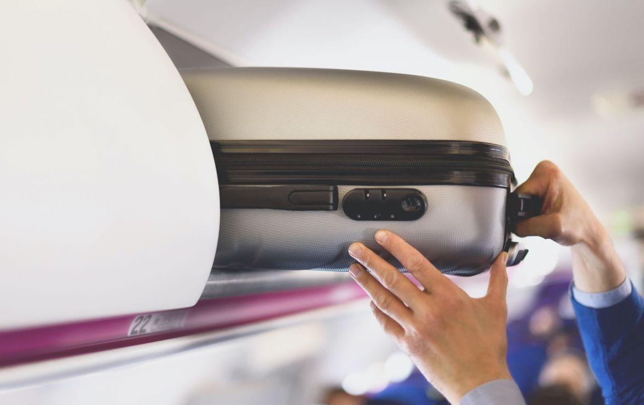 Equipaje de mano en avión